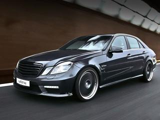 Mercedes e amg. Без электронного «ошейника» седан, побывавший взаботливых руках специалистов изХёсбаха, может разогнаться до340км/ч, апервую сотню разменивает за4,1с.