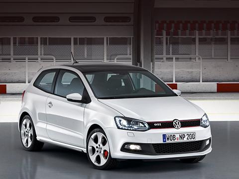 Volkswagen polo,Volkswagen polo gti. Максималка компактного хот-хэтча— без малого 230км/ч, что на16км/ч больше, чем упредшественника, илишь на10км/ч меньше, чем уГольфаGTI.
