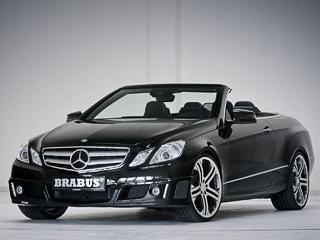 Mercedes e cabrio. Умодели заниженная на30мм регулируемая подвеска ифирменные легкосплавные диски серии Brabus Monoblock диаметром от17до20дюймов.
