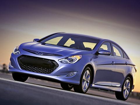 Hyundai sonata,Hyundai sonata hybrid. Всоставе оборудования для энергосбережения, которым оснащён гибридный седан, есть рекуперативная тормозная система, атакже система start/stop, выключающая двигатель, когда машина останавливается.