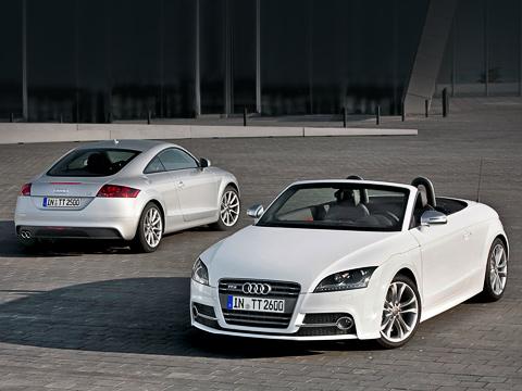 Audi tt,Audi tts. Купе иродстеры AudiTT, прошедшие фейслифтинг, появятся нарынке Германии летом. Донас, скорее всего, машины доедут ближе косени.