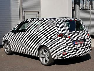 Opel zafira. Дебютирует однообъёмник, предположительно, наближайшем осеннем международном мотор-шоу вПариже, авпродажу модель поступит кконцу текущего— началу следующего года.