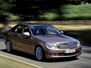 Mercedes c. ВГермании Mercedes C180CGI стоит от32219евро, аMercedes C200CGI— от34242евро. Это на1500–2000 евро больше, чем просили заC180 Kompressor иC200 Kompressor соответственно.