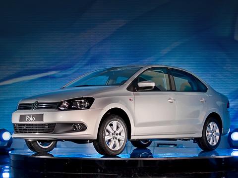 Volkswagen polo. Производство седана Polo назаводе Фольксвагена вКалуге начато. Предварительный приём заказов будет открыт 4июня, апервые машины передадут клиентам всентябре.
