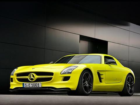 Mercedes sls,Mercedes concept. Электрический SLS AMG будет выпущен ограниченным тиражом. Россияне врядли увидят «зелёный» суперкар нанаших дорогах— нетот менталитет.