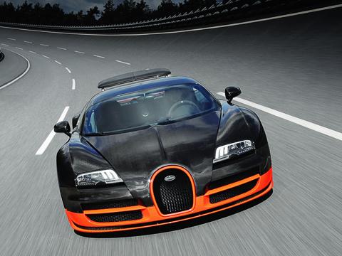 Bugatti veyron,Bugatti veyron super sport. Результат «американца» SSCUltimateAeroTT— 411,760км/ч. Впрочем, его разработчики три года назад утверждали, что при идеальных погодных условиях нанём вполне реально развить и436км/ч. Иэто было сказано дообновления модели.