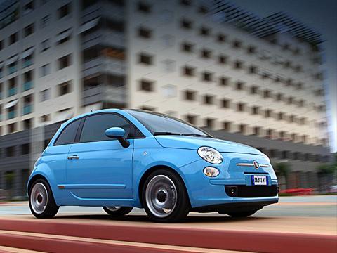 Fiat 500. Стараясь сделать модель предельно экономичной иэкологичной, итальянцы уже высказали массу идей— отустановки намашину крохотных, почти мотоциклетных моторов довнедрения гибридных силовых агрегатов. Ивот они решили отчитаться поодному изпунктов.