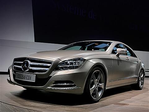 Mercedes cls. Восьмицилиндровые модификации нового МерседесаCLS появятся дозимы, аполноприводные версии— только всентябре 2011года.