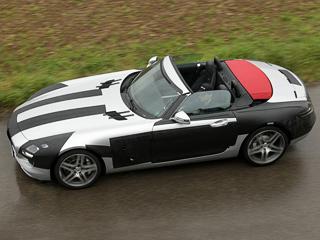 Mercedes sls. Матерчатый верх может быть ивыкрашенным вцвет кузова, иконтрастным.