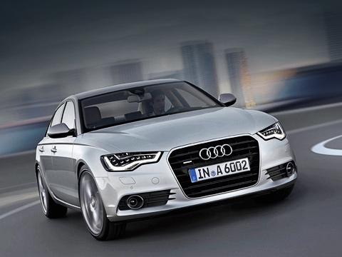 Audi a6. Базовой четырёхдверкой станет AudiA62.0TDI, закоторую вГермании будут просить 38500евро. Для сравнения: сейчас такой автомобиль стоит 37700евро. Кслову, универсал Avant выйдет нарынок через год, версия Allroad— через полтора.