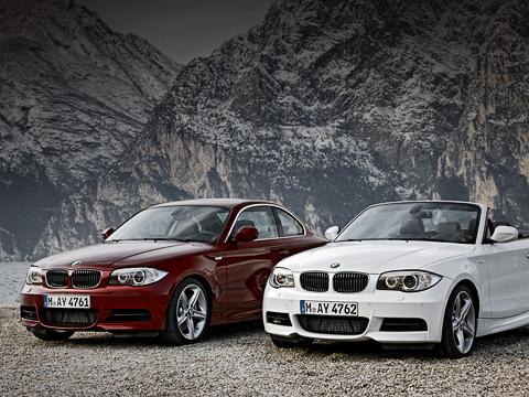 Bmw 1. С2007 по2009 год было произведено 51672 купе BMW первой серии и55139 одноимённых кабриолетов.