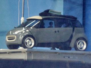 Smart forfour. Очередное поколение компакта Smart будет построено на одной «тележке» с новым хэтчбеком Renault Twingo. Двухместные машины будут собирать на французском заводе Smart GmbH в Амбаше, а четырёхместные — на словенском предприятии Renault.