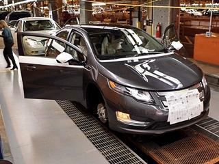Chevrolet volt. Вянваре агентство Bloomberg соссылкой насобственные источники вавтоконцерне сообщило, что с2012 года General Motors намеревается производить по120тысяч Вольтов ежегодно.