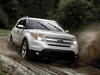 Ford explorer. Кроссовер нового поколения лишился рамы, получил несущий кузов истал экономичнее. Расход топлива уменьшился на20%.
