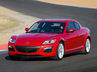 Mazda rx-8. Свою лепту впрекращение продаж модели вШтатах внесла сильная иена. Из-за роста японской валюты поотношению кдоллару операционные убытки американского отделения Мазды сапреля поиюнь выросли втрое всравнении стемже периодом 2010 года исоставили около $97,6миллиона.