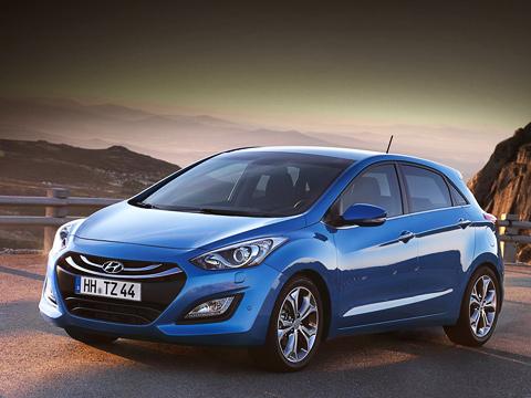 Hyundai i30. Габаритных размеров новинки пока нет. Известно, что объём багажника увеличился итеперь составляет 378литров.