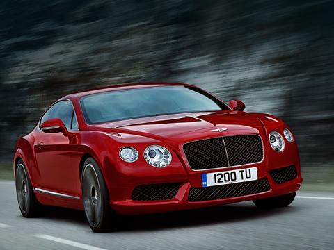 Bentley continental gt,Bentley continental gtc. Все автомобили с V8 под капотом будут оснащаться системой start/stop, благодаря которой на одной дозаправке двухдверки смогут преодолевать расстояние аж 800 километров.