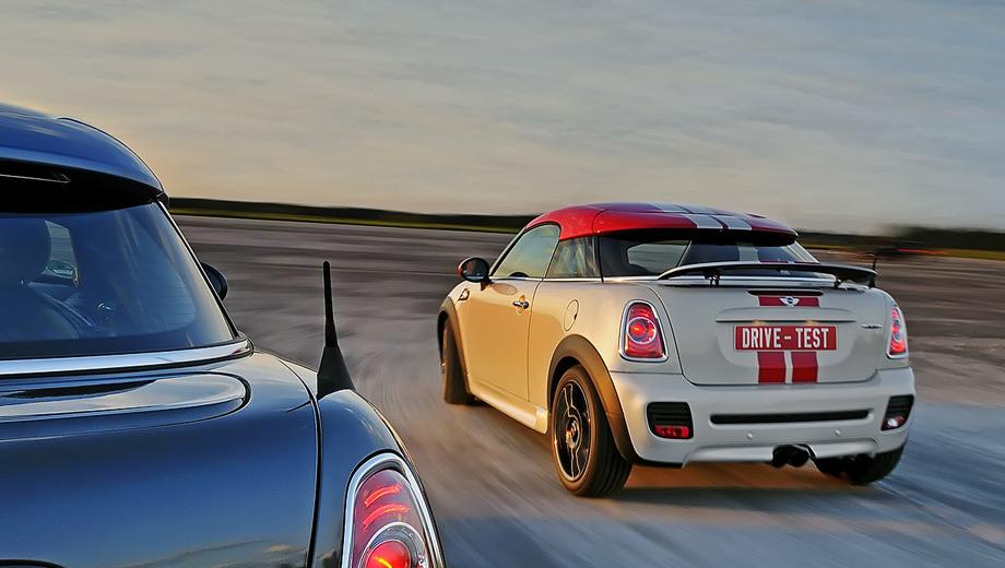 Mini coupe,Mini coupe_dt. Для контраста нам показали две наддувные версии: дизельную Cooper SD (143 л.с.) и топ-модель Cooper S John Cooper Works (211 сил). Обе особенны только странным дизайном.