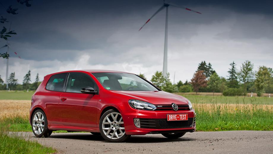 Volkswagen golf gti,Volkswagen golf gti35. Небольшая прибавка мощности позволила сократить время разгона 0–100 км/ч до 6,6 с. А максималку увеличить до 247 км/ч.