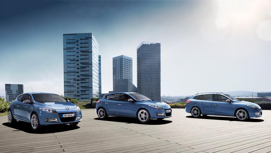 Renault megane. Все представители семейки Renault Megane получили одинаковые изменения. Опознать рестайлинговую версию можно по полоскам светодиодных огней.