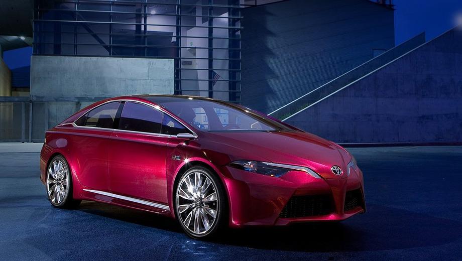 Toyota ns4,Toyota concept. Похоже, при создании шоу-кара NS4 в компании Toyota вспомнили своё формульное прошлое. Спереди автомобиль напоминает деталями болиды Королевских гонок. Вышло, правда, как-то не очень.