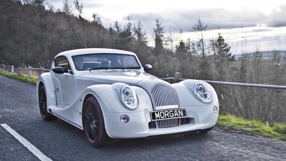 Morgan aero coupe. По энерговооружённости двухдверка Morgan Aero Coupe выглядит достойно — на тонну приходится 336 сил. Для сравнения, у Audi R8 V10 на тонну идёт 310 «лошадей».
