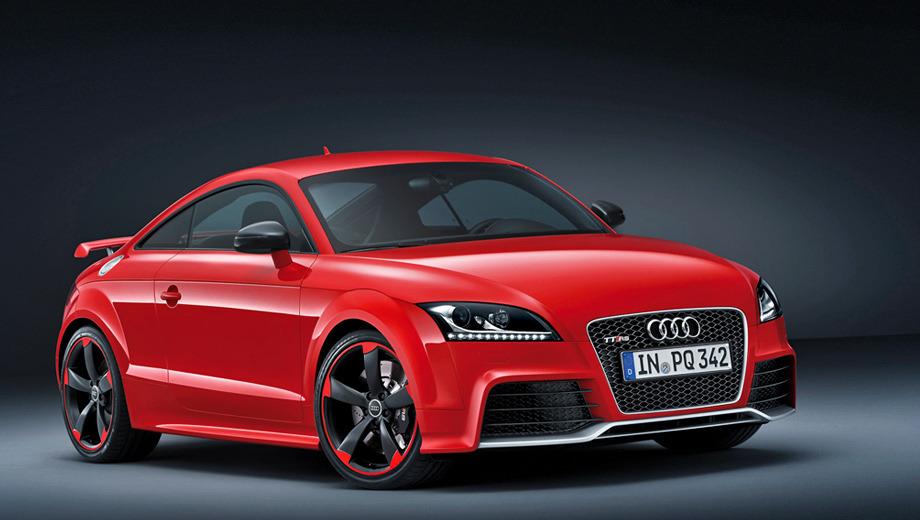 Audi tt,Audi tt rs. Снаружи опознать версию plus можно лишь по чернёным деталям (диски, решётка радиатора, накладки на зеркалах).