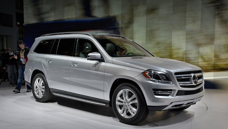Mercedes gl. Больше всего внедорожник второго поколения преобразился благодаря совершенно новой оптике.