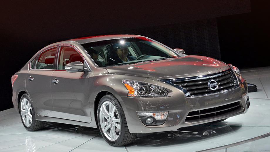 Nissan altima. Сами японцы не скрывают, что внешность Альтимы  — по сути компиляция самых удачных решений других моделей марки Nissan.