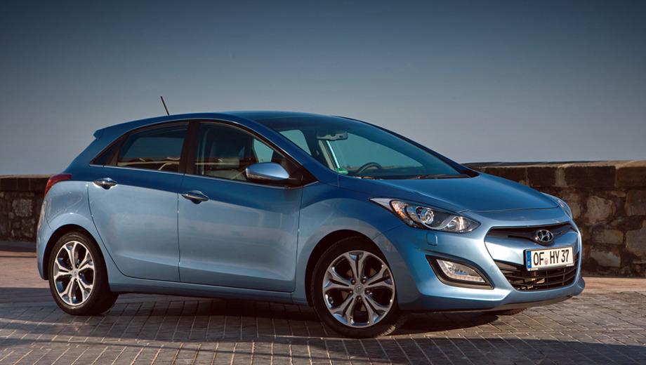 Hyundai i30,Hyundai genesis coupe. Анфас новое поколение пятидверки Hyundai i30 вылитый седан i40. В целом облик хэтчбека стал более ярким и запоминающимся.