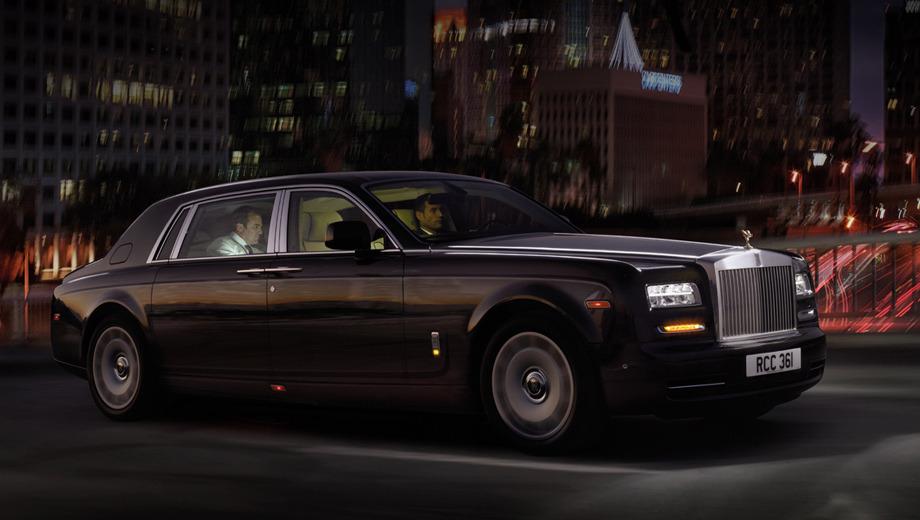 Rollsroyce phantom. Длиннобазную версию показали последней из всей линейки моделей Rolls-Royce Phantom. Стилистические преобразования свелись к новым бамперам и передней оптике, где появились полоски светодиодов.