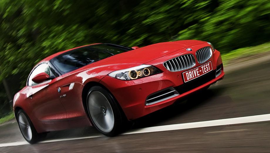 Bmw z4. Родстер BMW Z4 отлично выполняет свою главную функцию — производит впечатление на окружающих. Автомобиль выглядит дорого, хотя ездовые повадки не назовёшь рафинированными.