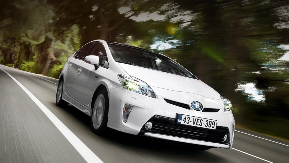 Toyota prius. Третье поколение Приуса появилось в 2009 году. Как и её предшественницы, эта модель продолжает лидировать по популярности в самых разных странах.
