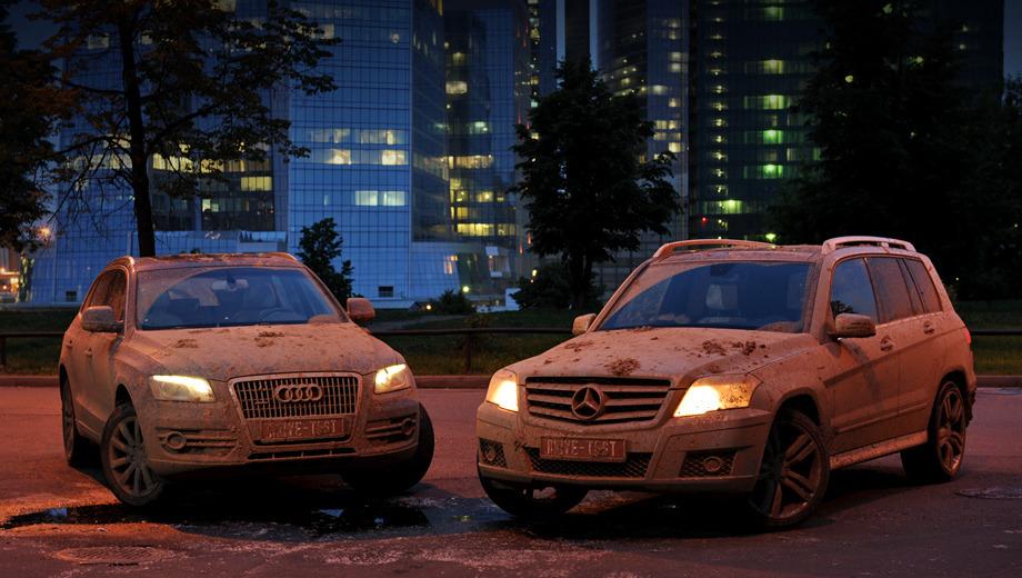 Audi q5,Mercedes glk. Привычный пейзаж, вполне привычные автомобили, и — не совсем обычное их состояние.