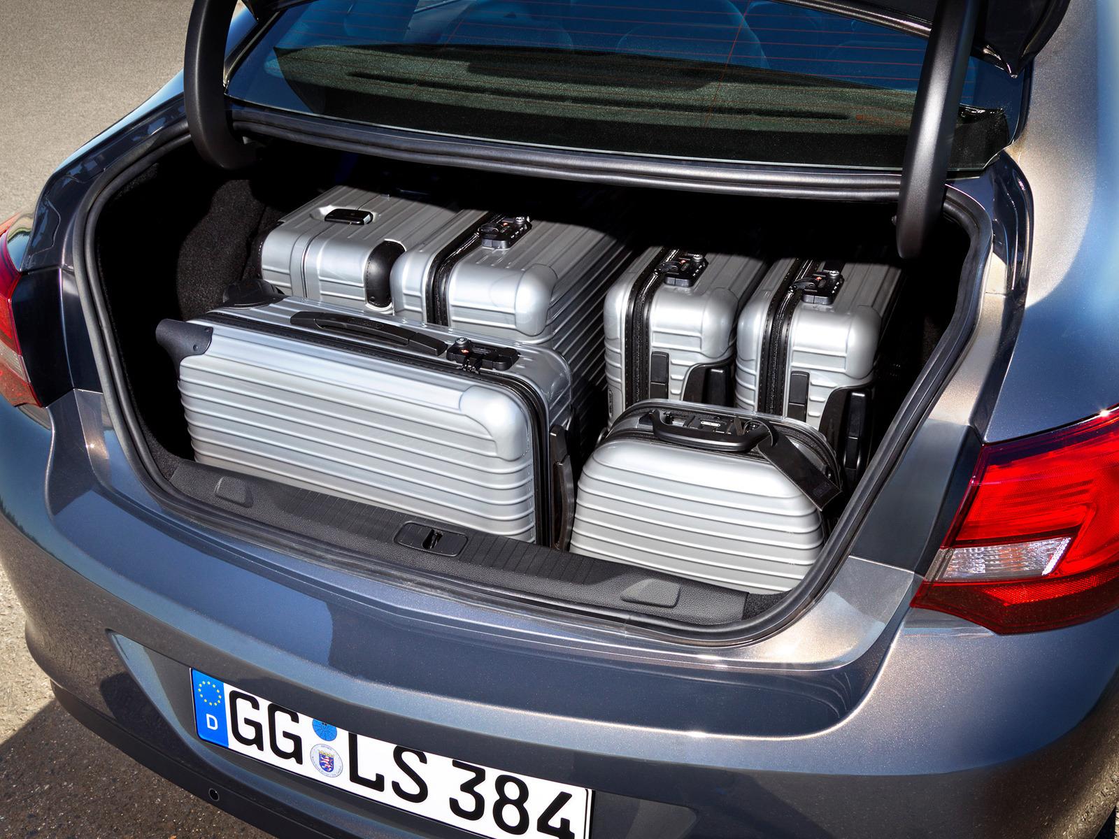 Opel расширяет свою успешную семью модели Astra с новым спортивным и