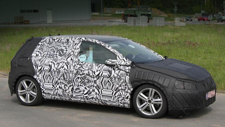 Volkswagen golf gti. Седьмое поколение Гольфа должно дебютировать в Париже в сентябре, а GTI-версия — весной 2013 года в Женеве. Но «горячая» пятидверка давно уже попадается шпионерам на испытаниях.
