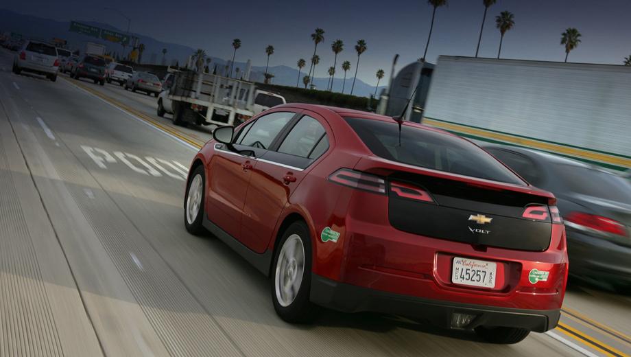 Chevrolet volt. Хэтчбек Вольт 2013 модельного года поступит в продажу в августе. Кстати, в Европе существует двойник этой машины — Opel Ampera. Можно ожидать, что улучшения затронут и её.