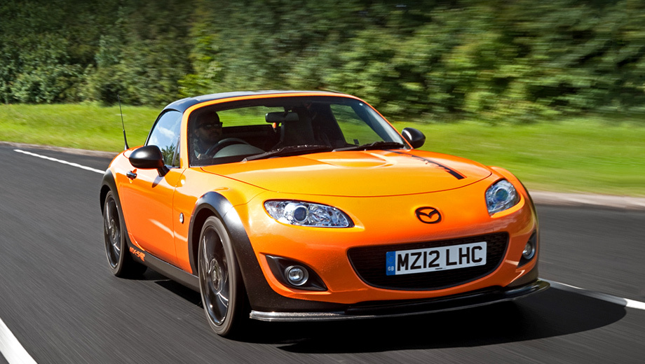 Mazda mx-5. Концепт Mazda MX-5 GT отличается от стандартной двухдверки наличием аэродинамического обвеса кузова.