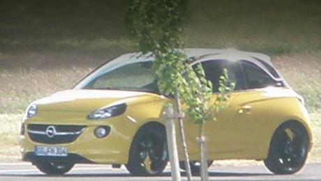 Opel adam. Новинка появится в продаже в Европе уже к концу этого года. Предварительная цена — 11 600 евро.