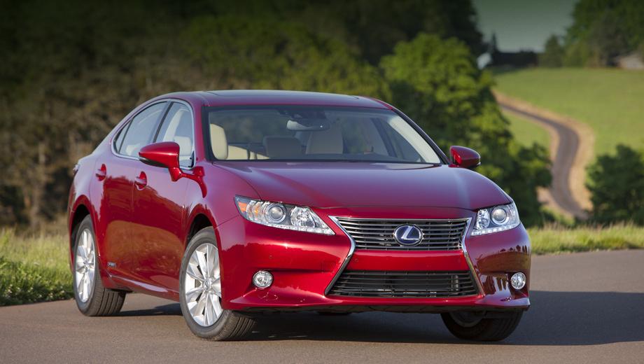 Lexus es. При смене поколений японцы переработали модель ES куда серьёзней, чем недавно рассекреченный «эл-эс».