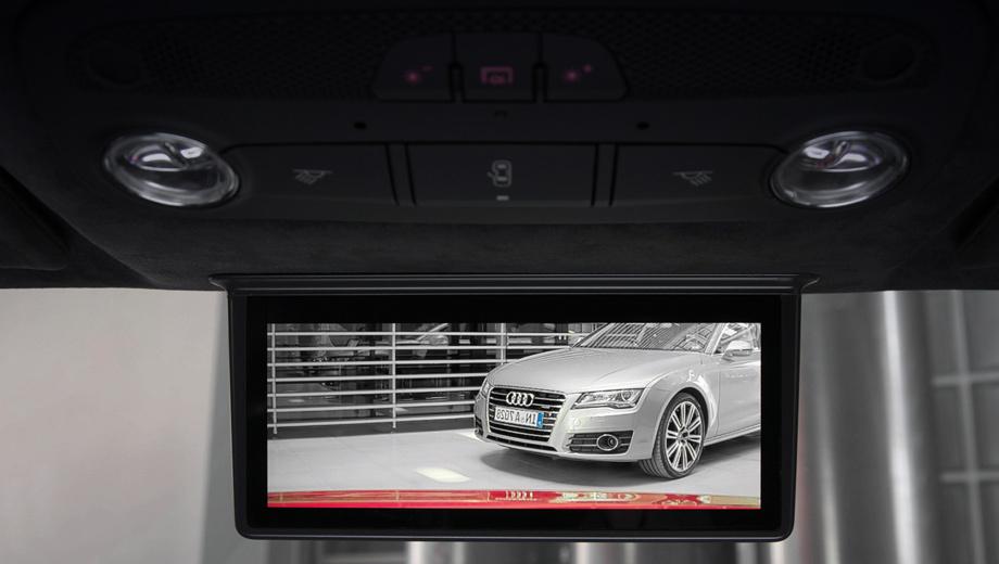 Audi r8. Сам 7,7-дюймовый дисплей немцы разрабатывали совместно со специалистами компании Samsung.