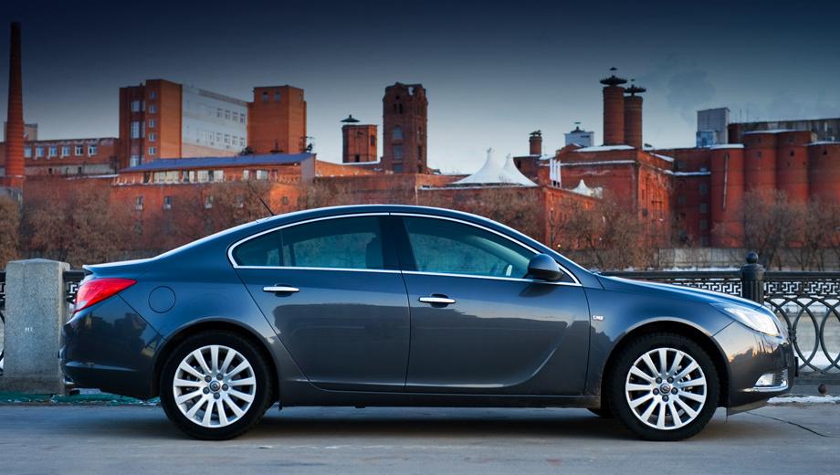 Opel insignia. Насколько же сильно автомобиль должен отличаться от предшественников, чтобы ему дали новое имя? Выясним.