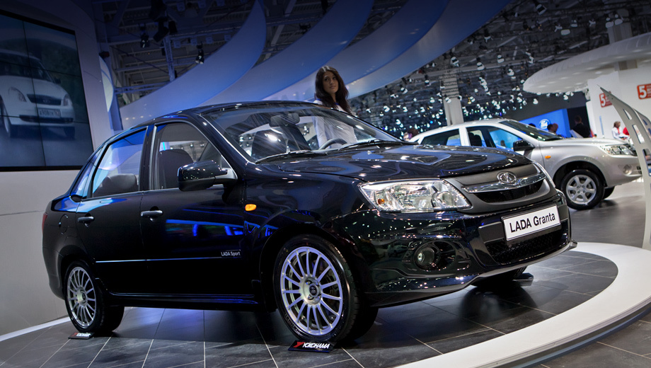 Lada granta,Lada granta sport. Переднеприводная Granta Sport весит 1160 кг, а в смешанном цикле потребляет 7 л бензина АИ-95 на 100 км.