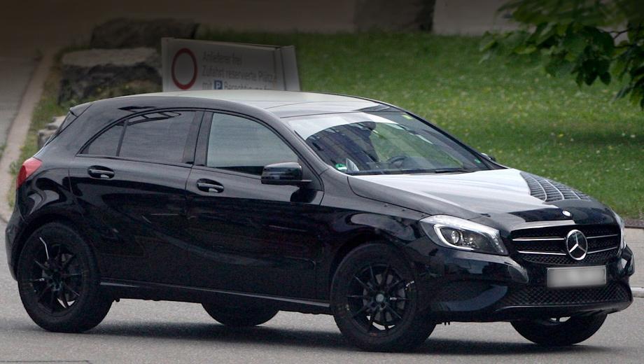 Mercedes gla. Прототип проходит испытания в кузове хэтча Mercedes A-Class. Будущий кроссовер в «муле» прежде всего выдаёт увеличенный клиренс.