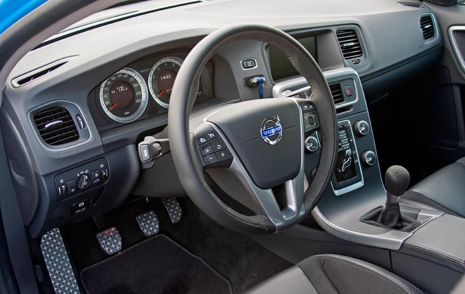 Прикасаемся к концепту Volvo S60 Polestar и не только
