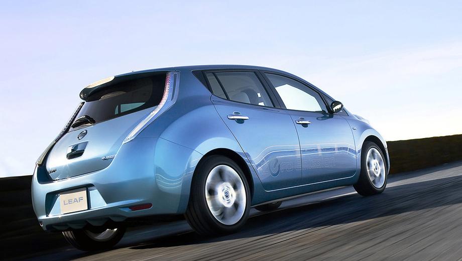 Nissan leaf. В стандартном цикле NEDC в идеальных условиях Nissan Leaf может пробежать 175 км, а в цикле EPA — 117 км на одной зарядке. При спокойном и равномерном движении по шоссе из Лифа можно выжать даже 222 км запаса хода. Но добиться этих цифр на практике сложно.