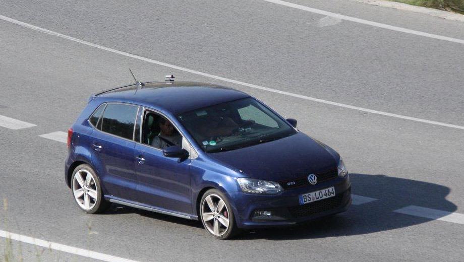 Volkswagen polo,Volkswagen polo r. О том, какие внешние отличия от станадртного Поло получит версия R, судить пока рано, ведь мы видели только предсерийные прототипы.