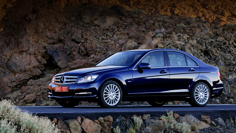 Mercedes c,Mercedes c2011. Нынешний фейслифтинг C-класса — даже не подтяжка, а лёгкая смена макияжа. Но новый грим — отблеск серьёзных перемен во внутреннем мире машины.