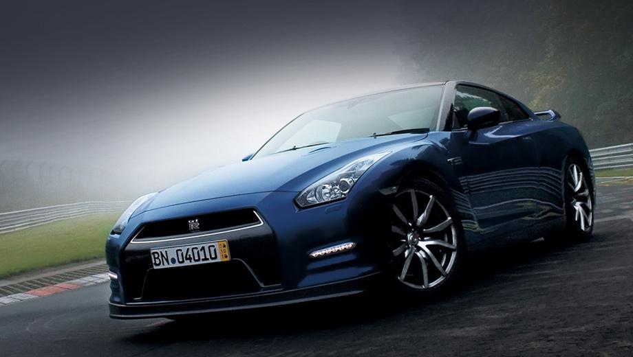 Nissan gt-r. В Японии обновлённые «джи-ти-ары» поступят в продажу 19 ноября, а на североамериканском и европейских рынках они появятся только в следующем году.