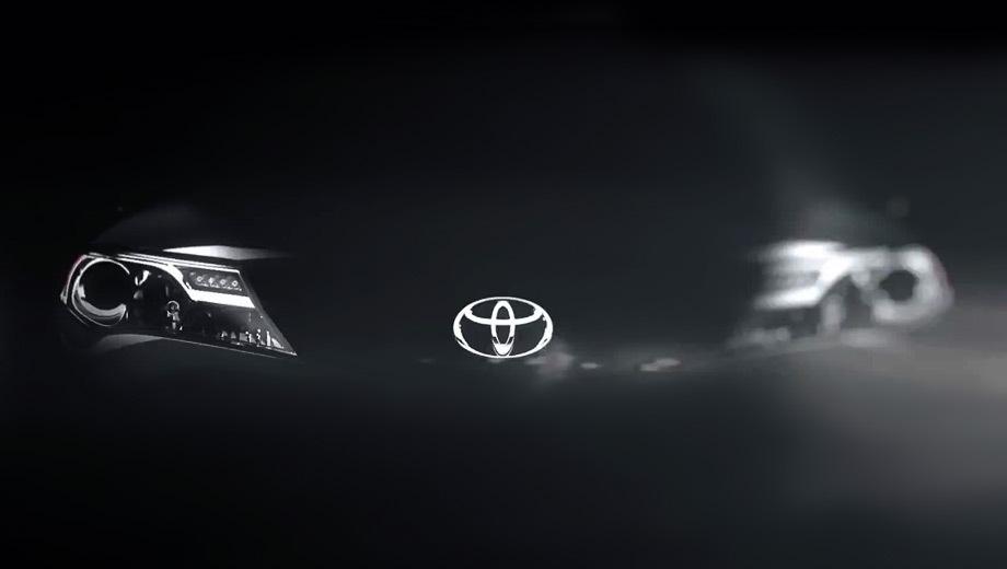 Toyota rav4. Паркетник будет предлагаться как с передним, так и с полным приводом.